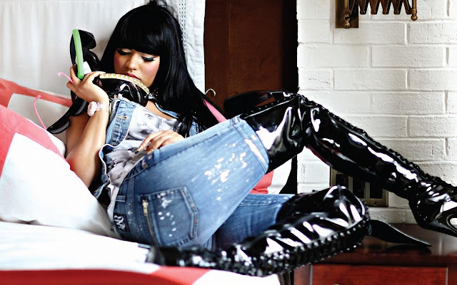 Nicki Minaj in Jean