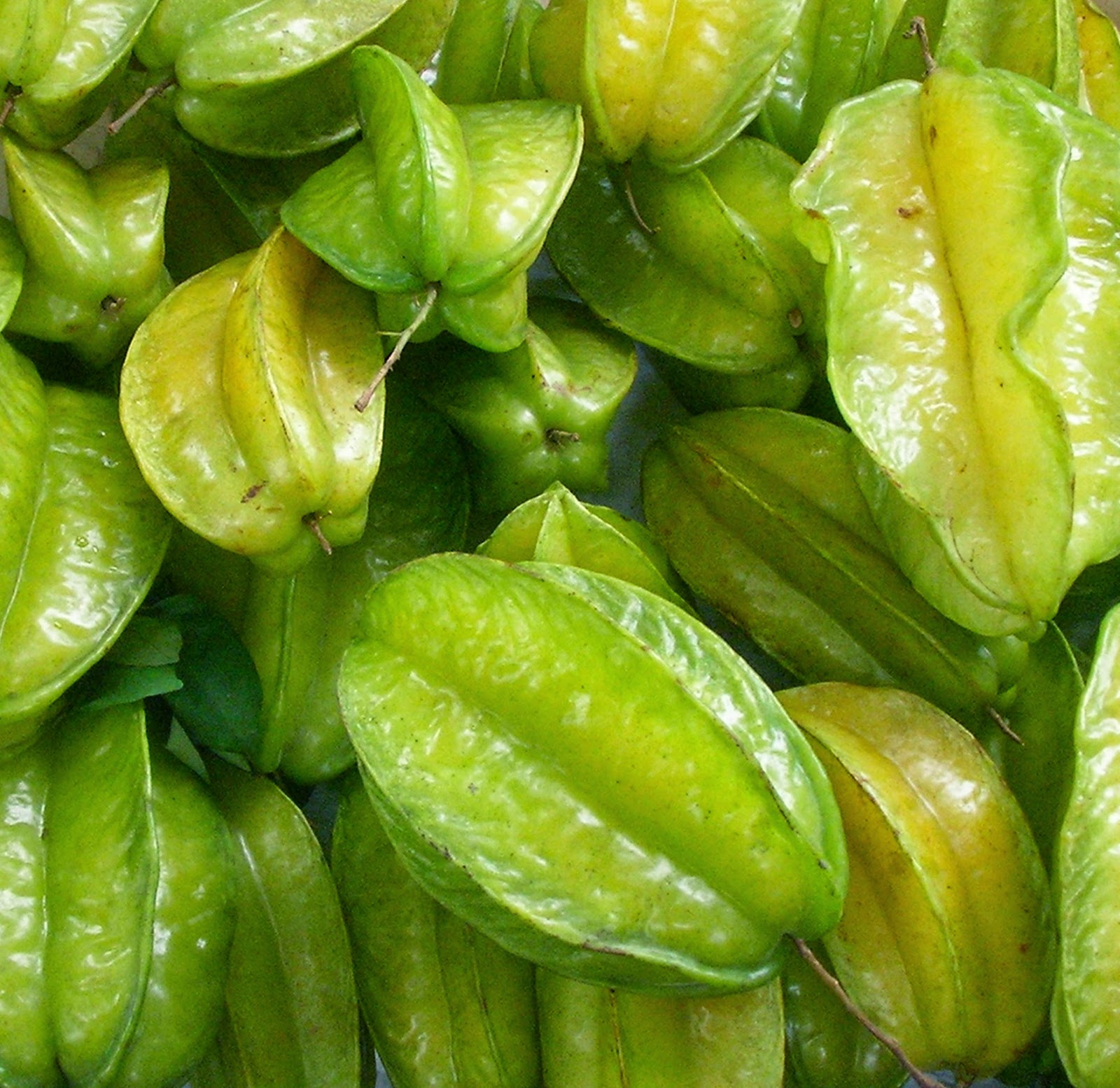 green fruits what does a star fruit taste like