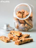 Biscottis de arándanos, avellanas y naranja confitada