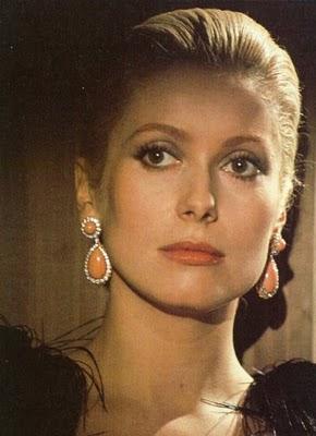 Actress Roman Nose Pretty  S Movies Brunette Illeana Douglas