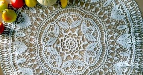 Uncinetto e crochet centro tavola all 39 uncinetto in cotone - Centro tavolo all uncinetto ...