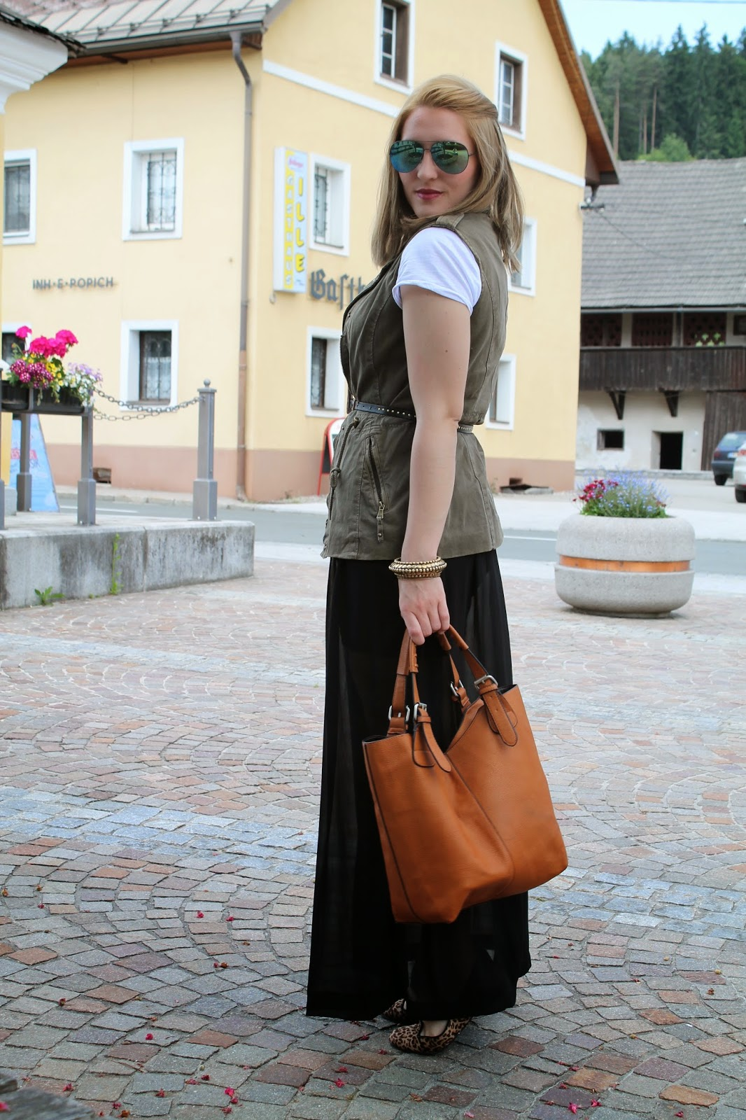 Fashionblogger Austria / Österreich / Deutsch / German / Kärnten / Carinthia / Klagenfurt / Köttmannsdorf / Spring Look / Classy / Edgy / Summer / Summer Style 2014 / Summer Look / Fashionista Look /  Maxi Skirt / Maxi Rock / How to Style / takko / H&M / Leo / Loafers / Zalando /