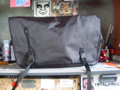 ABNORMAL SKATE MESSENGER BAG