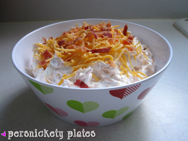 Persnickety Plates: Loaded Baked Potato Dip #appetizer