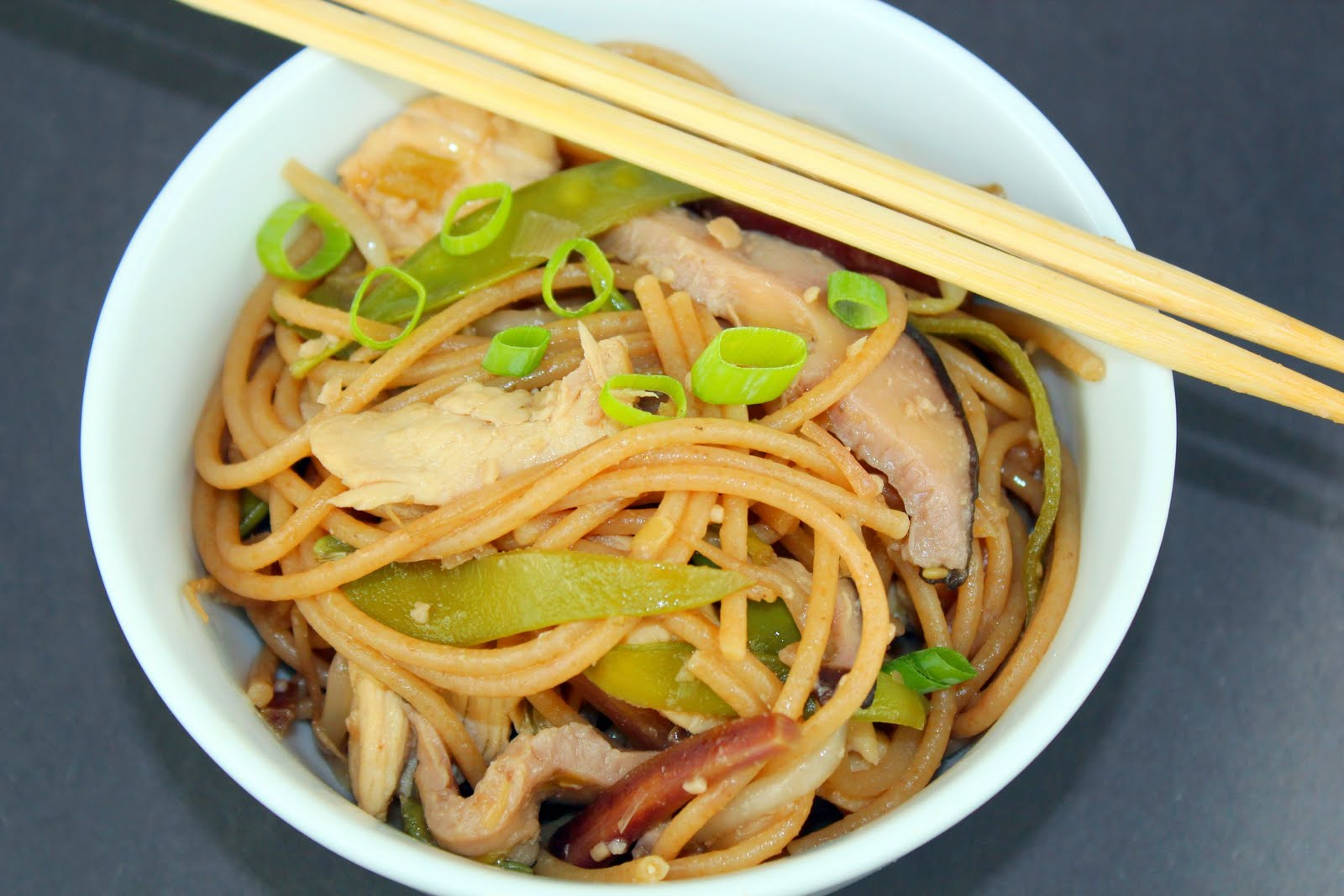 Chicken Lo Mein | Generation Y Foodie