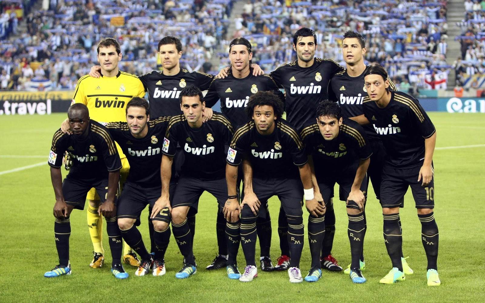 Football 2013: Real Madrid Team new Wallpapers 2012real madrid