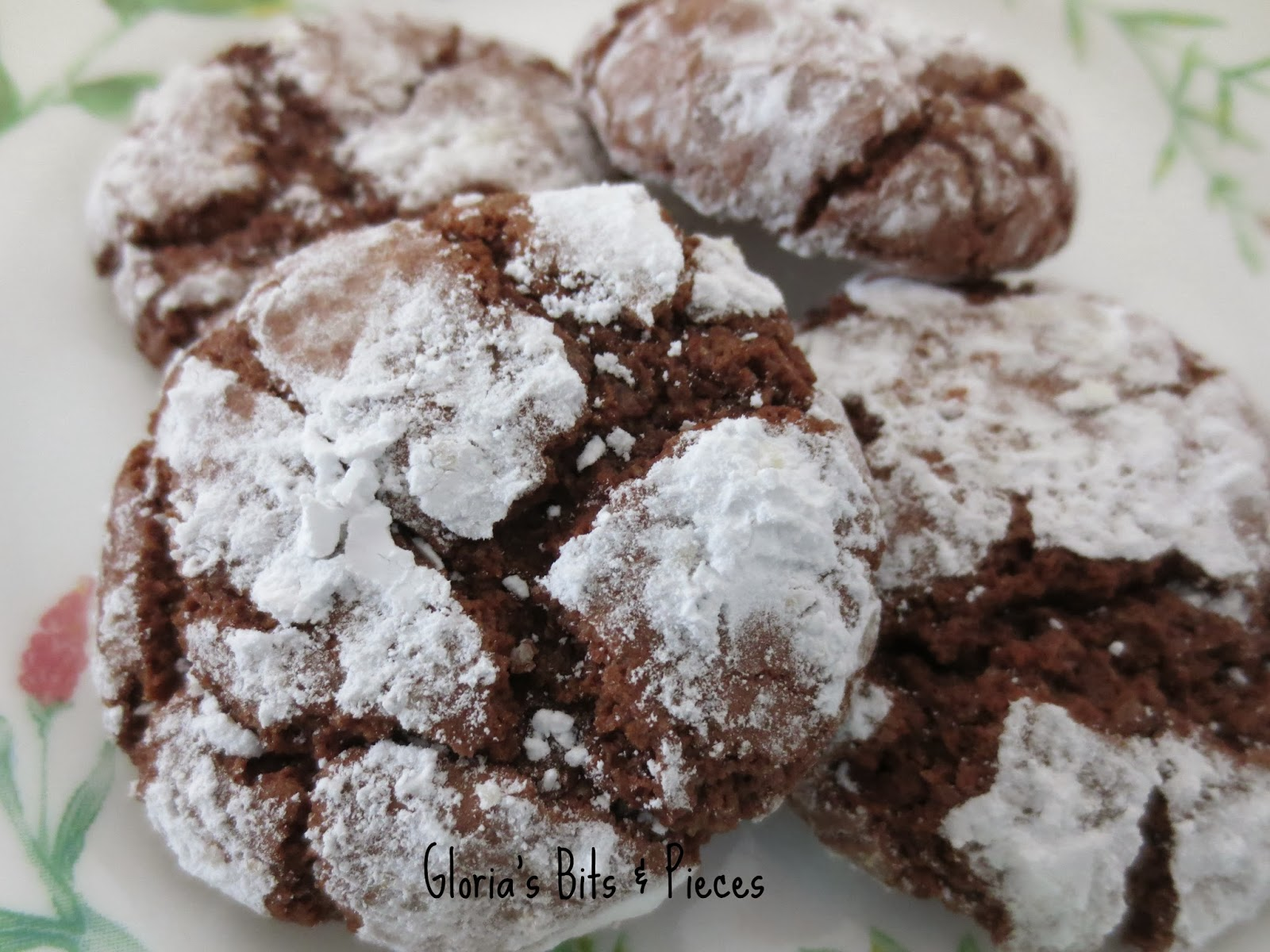 Gloria's Bits and Pieces: Chocolate Crinkles Cookie Recipe