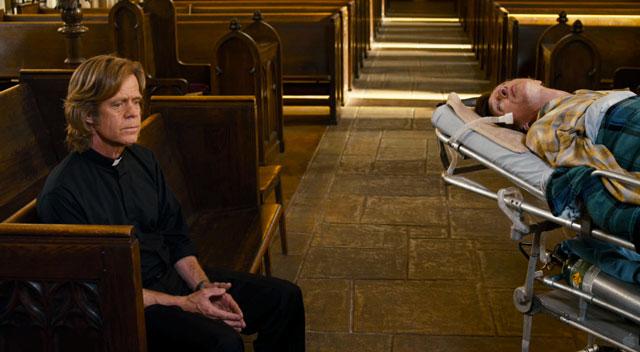 Padre Brendan ascolta le confessioni del suo amico Mark