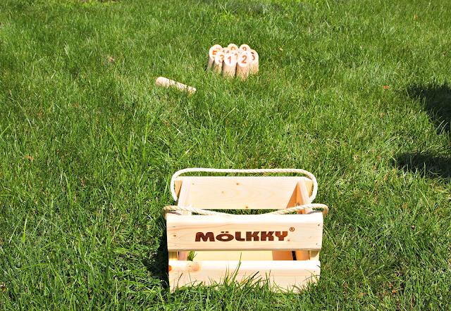 Molkky, yard game, summer