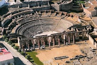 Teatro romano de Itálica antes de su última restauración