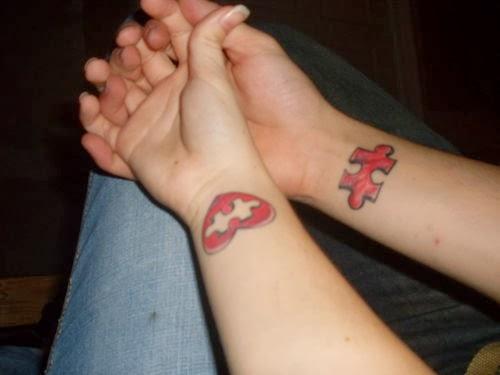 Tatuagem no pulso para casal