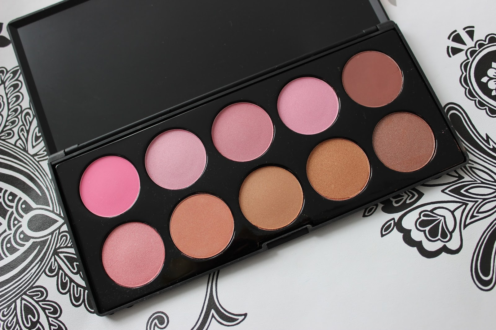 Crownbrush 10 colour blusher palette