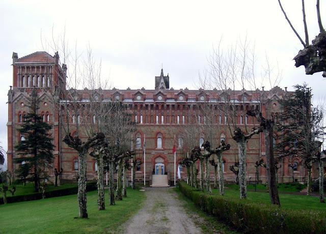 Edificios Antigua Universidad Pontificia de Comillas
