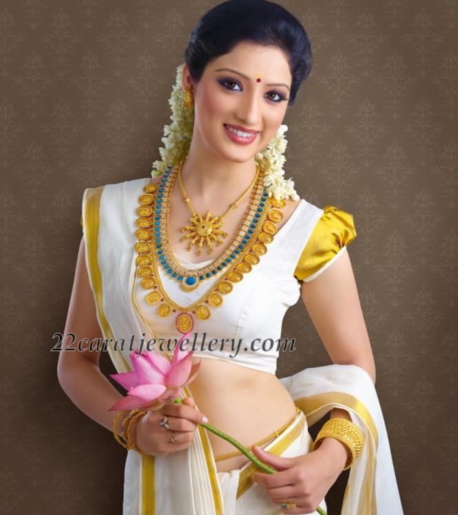 Kerala Bride in Traditional Jewellery - Jewellery Designs