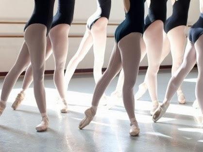 http://3.bp.blogspot.com/-nJjWUPKWzjQ/Ux0tqceb1xI/AAAAAAAABUM/eUufJzD6Shc/s1600/Ballet-Class-32-670x314.jpg