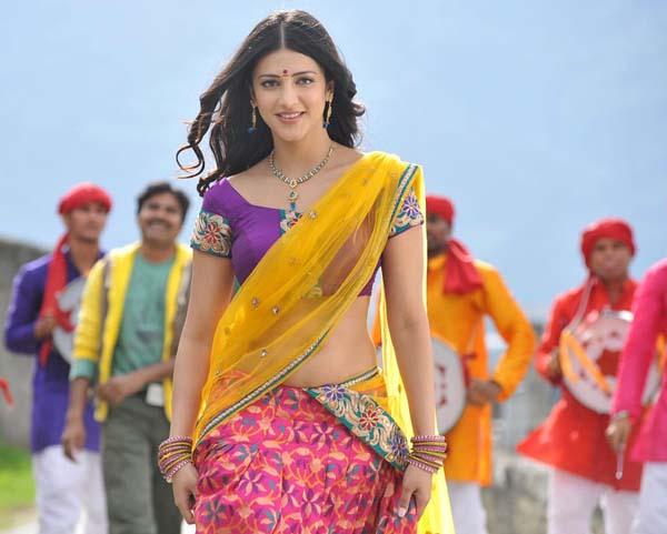Shruthi Hassan Gabbar singh movie song gannulanti kannulunna pics3