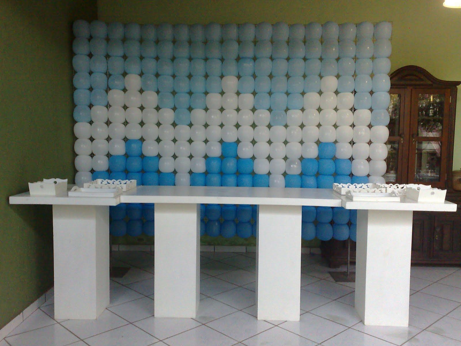 de 8 anos do ruam com tons de azul e branco fizemos o painel de