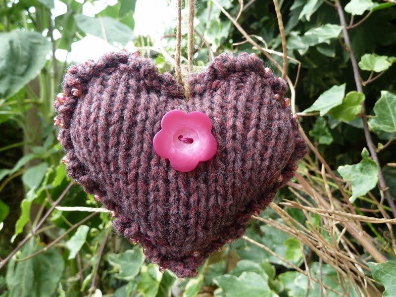 woollycrafts: Guinea Pigs & Knitted Heart