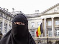Derita Muslimah Belgia, Dikucilkan Hingga Pelarangan Hijab