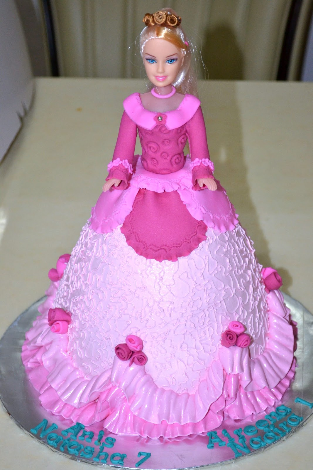 how to make a princess cake with a doll