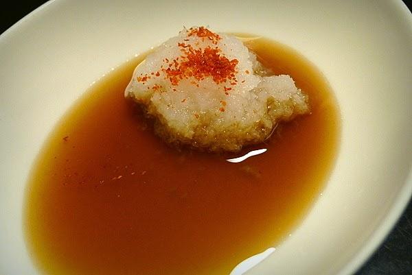 ポン酢醤油と大根おろし、一味唐辛子