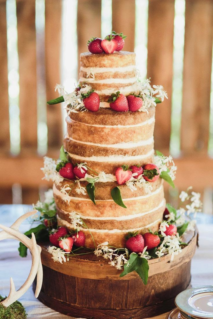 rustic wedding cake with strawberries