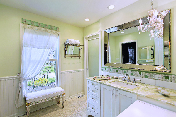 Bathroom Mirror remodeling photo