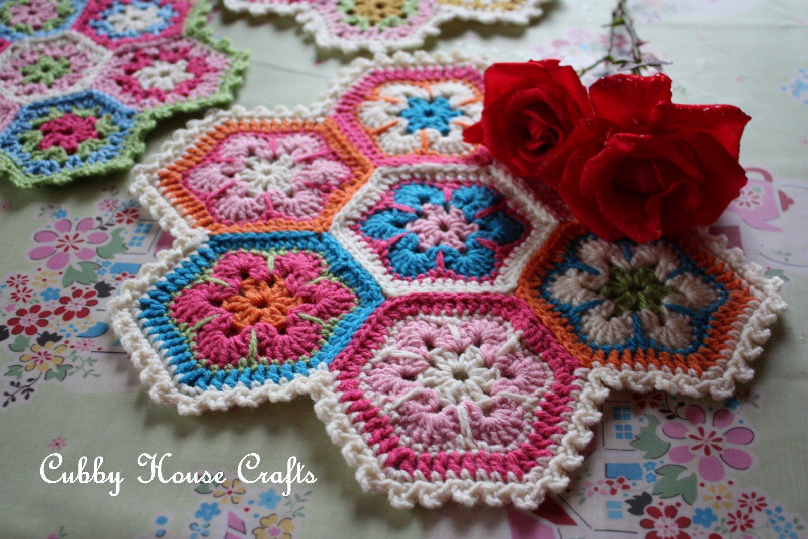 African Flower Crochet Pattern Half : Cubby House Crafts: Crochet African Flower Hexagon