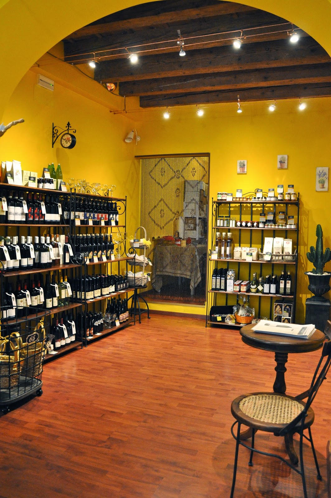 Inside L'Angolo Sublime - a charming shop in Vicenza selling artisan products made in Italian monasteries-2