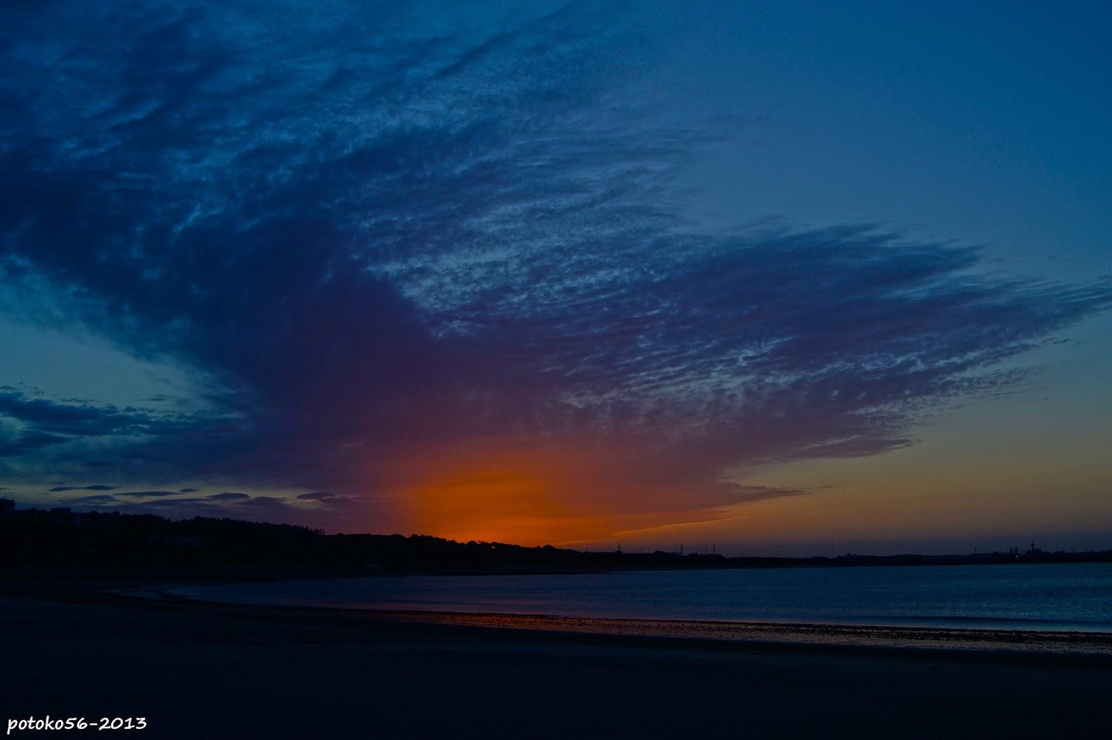 Luminosa mañana de colores amaneciendo en Rota