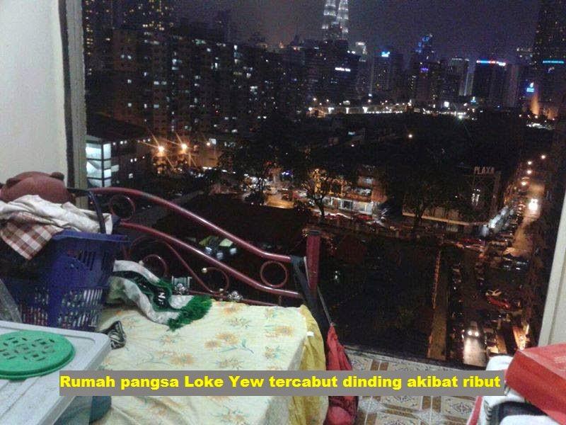 Rumah pangsa Loke Yew tercabut dinding akibat ribut