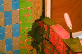 крепление кирпичной стены к бетонной арматурой