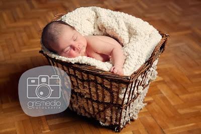 Fotografia recien nacidos Zaragoza fotografía bebes zaragoza premamá embarazo