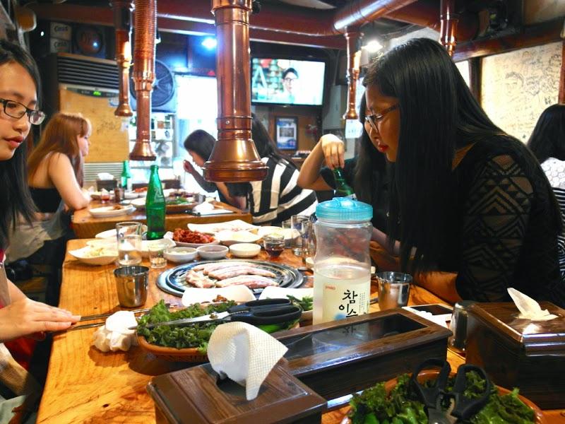 ewha university summer studies seoul korea travel lunarrive blog singapore sinchon samgyupsal peace buddy dinner