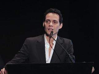 El cantante recaudó dinero en Chicago para la organización Niños de Cristo de la República Dominicana, primera en ser beneficiada por su fundación Maestro Cares.