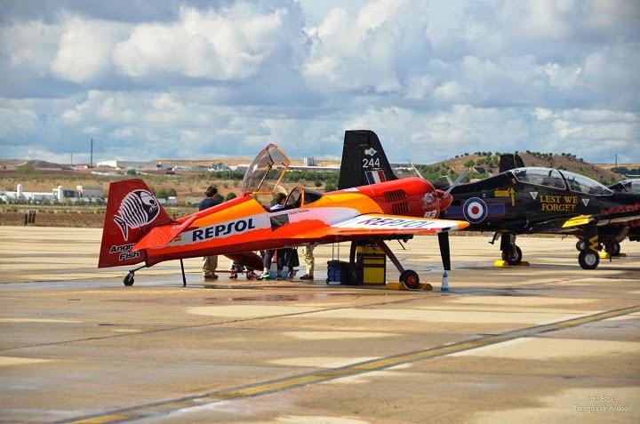 Avion acrobatico Su 26 Repsol en Aire 75