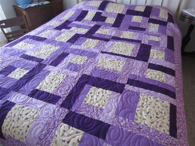 Crafty Sewing & Quilting: The Easy to Sew Quilt Pattern Used to ... : easy first quilt - Adamdwight.com