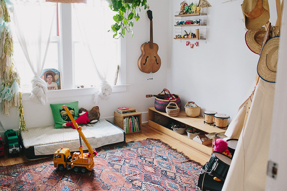 I Love This Montessori Style Bedroom Belonging To Henry The Son Of Photographer Jamie Street Natural Coloured Wood Baskets For Storage And Houseplants