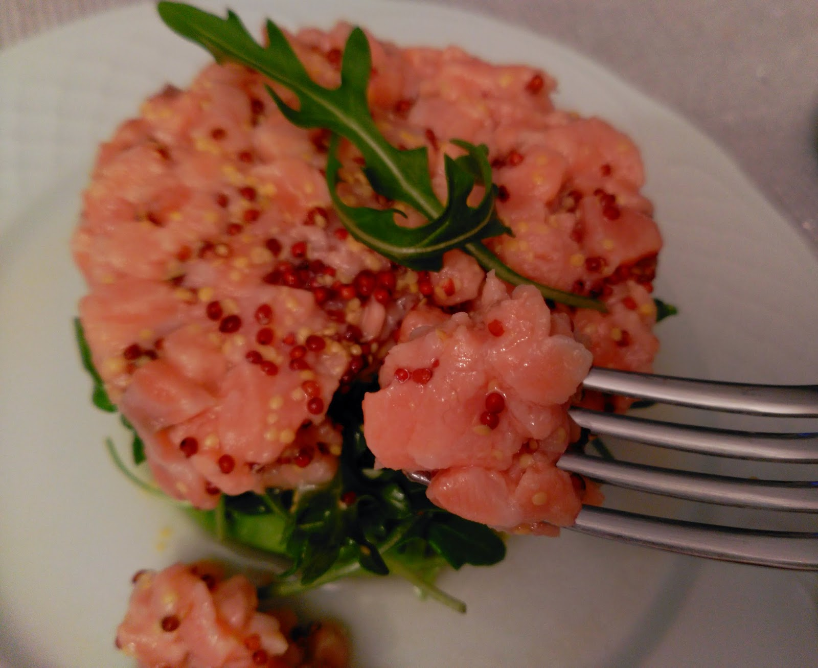 http://acocinate.blogspot.com.es/2015/02/tartar-de-salmon.html