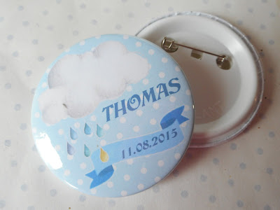 http://www.alittlemarket.com/pins-badges/fr_grand_badge_56_mm_collection_nuage_blanc_bleu_pois_naissance_bapteme_personnalisable_-16245680.html