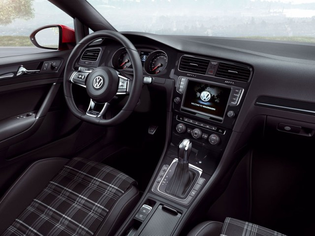 Volkswagen Golf GTD 2014 interior