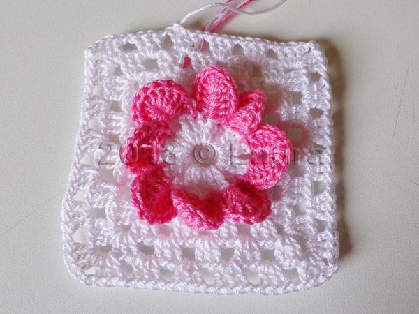 Tutorial mattonella con fiore a petali all uncinetto youtube