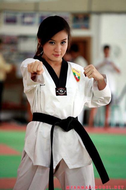 wut hmone shwe yee in teakwondo outfit 02