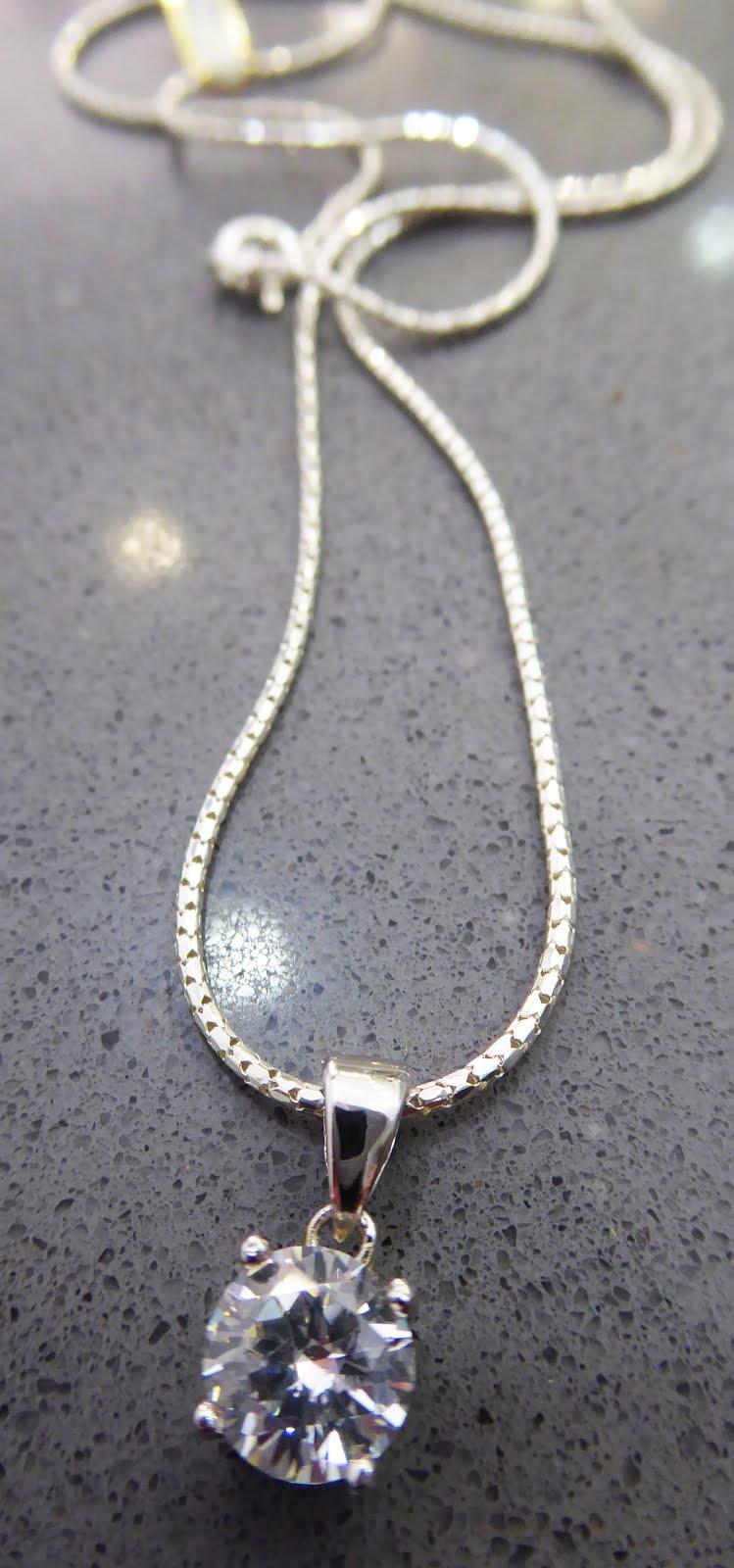 Colgante circonita y cadena de plata