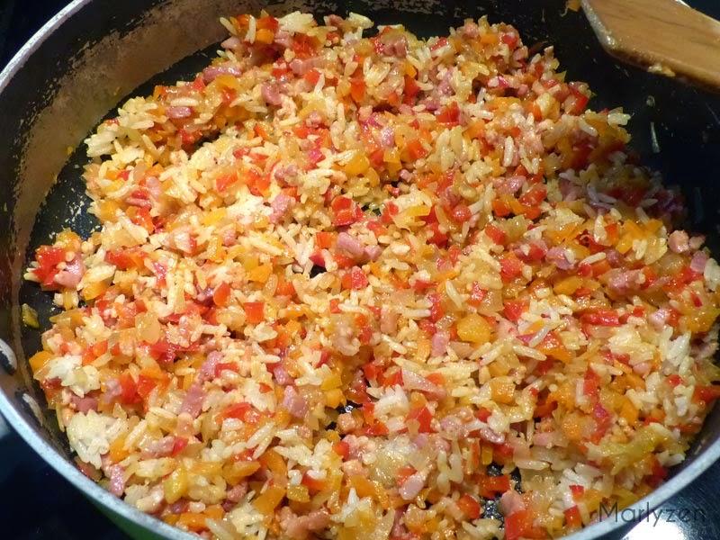 Ajoutez le riz et mélangez.