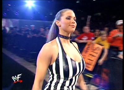 Stephanie Mcmahon luchadora profesional
