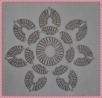 Flor de crochê para aplicação com gráfico
