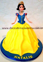 bolo decorado princesa barbie branca de neve