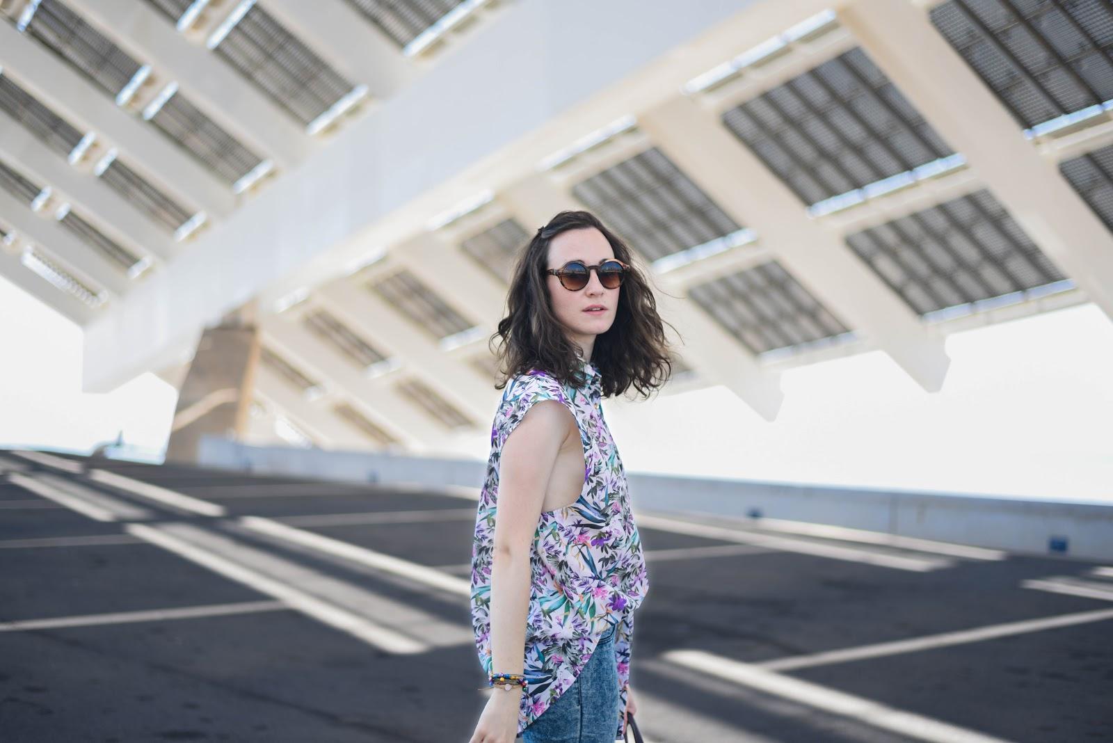 Aysha Zreika sleeveless blouse streetstyle