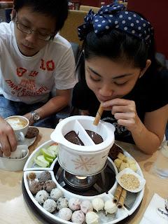 Joyce chocolate fondue